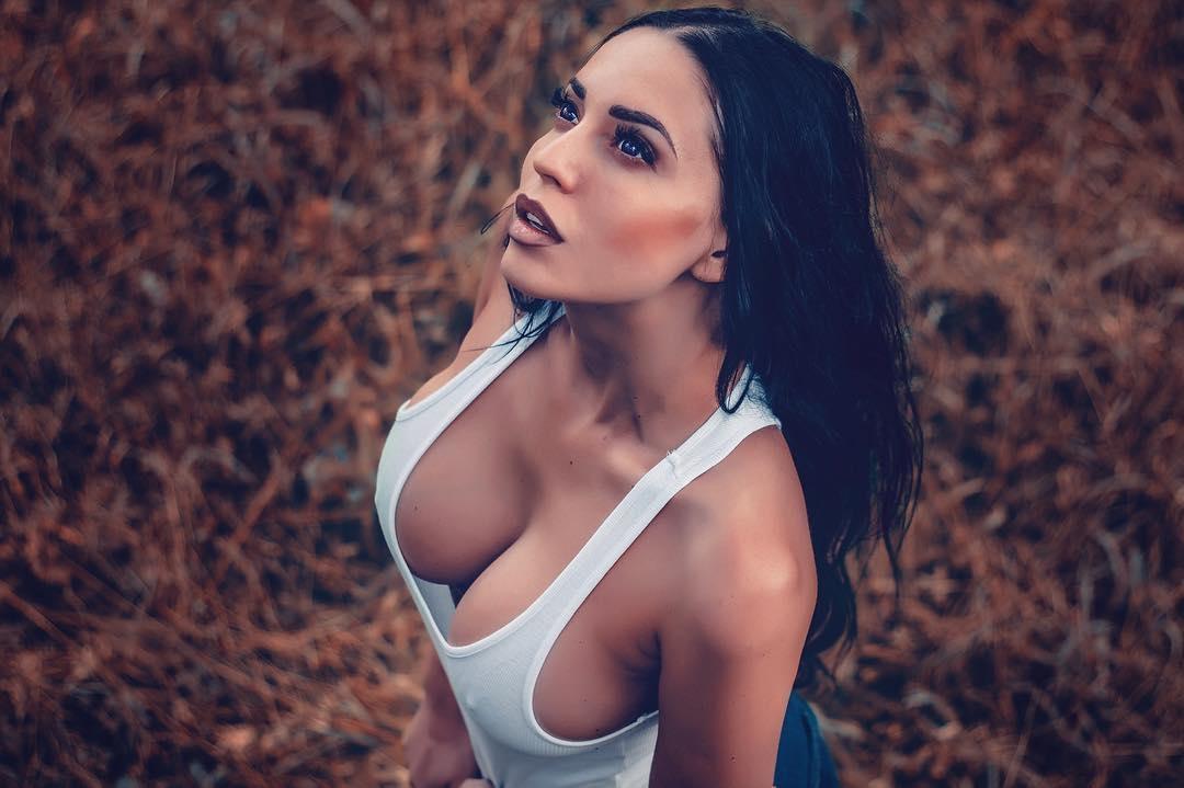 Юлия Белая Обнаженная