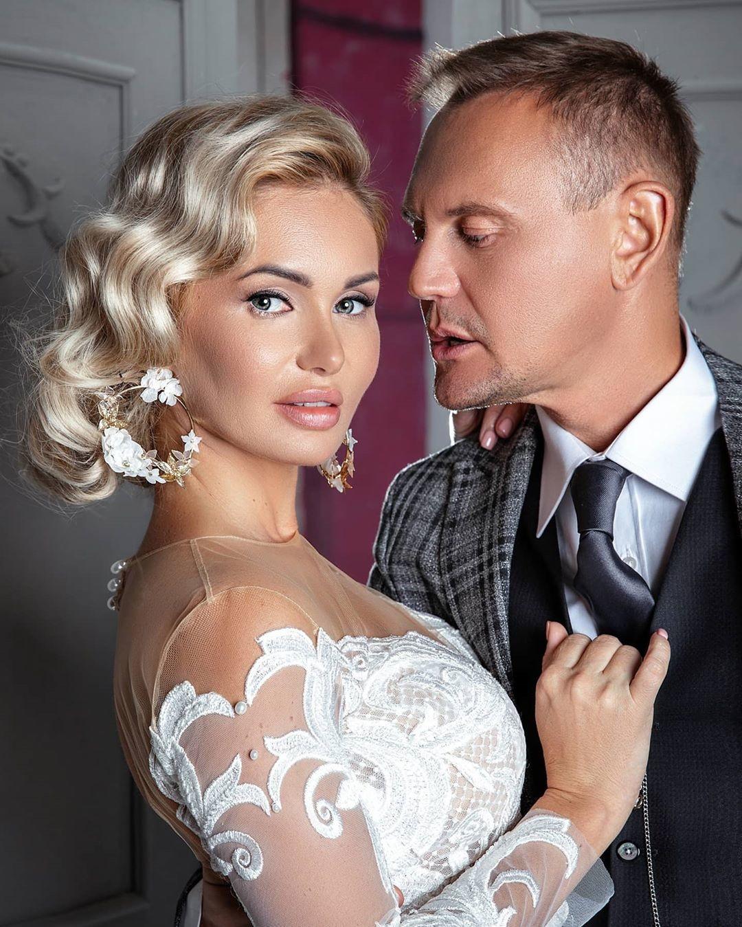 Степан меньщиков с женой фото со свадьбы