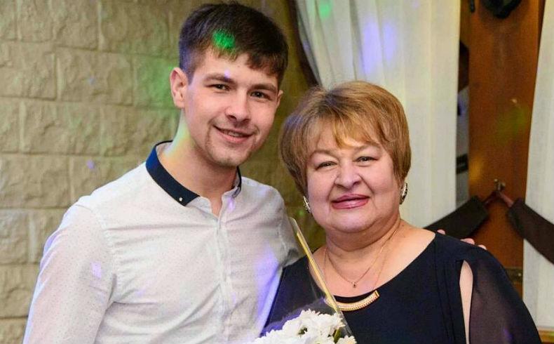 Русская мат дала дуруга сыну