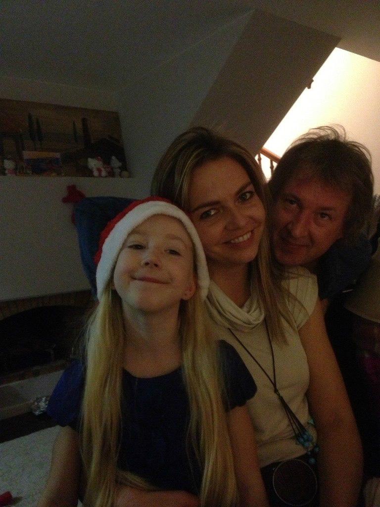 Вадим Донцов вместе с женой Татьяной и младшей дочерью Евой живет в ИспанииФото: Соцсети