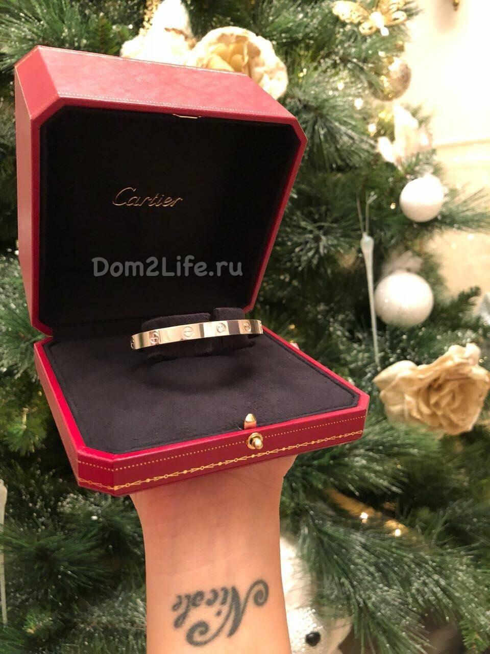 Бойфренд подарил Катета бриллиантовый браслетФото: Архив сайта Dom2Life.ru