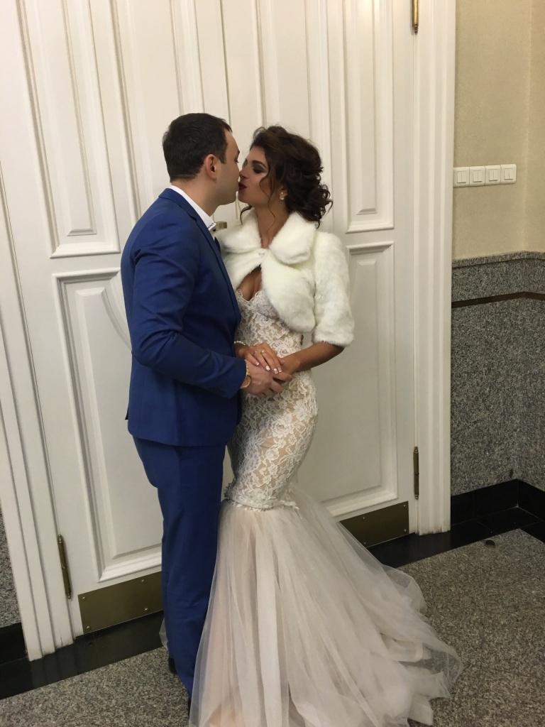 Алиана Устиненко делает вторую попытку выйти замуж. Платье новое, мужчина— прежний Фото: «Инстаграм»