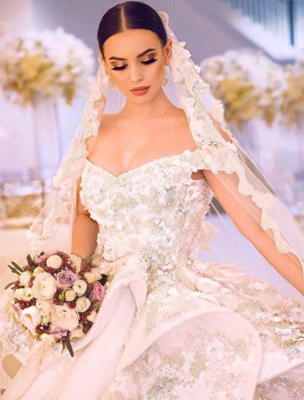 Платье Саши Артемовой поклонники назвали самым красивым завсю историю проекта Фото: «Инстаграм»