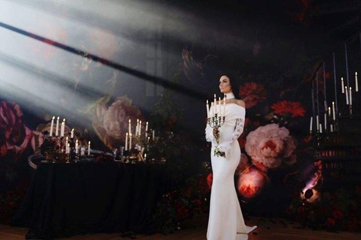 Второе платье Алены чем-то неуловимым напоминает первоеФото: «Инстаграм»