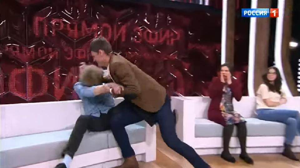 За Лисовскую вступился ее друг и с кулаками кинулся на СоломенцеваФото: Кадр прогаммы