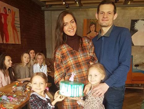Семья Маши Круглыхиной кажется идеальной, но на самом деле, гармоничный союз — это работа над собойФото: «Инстаграм»