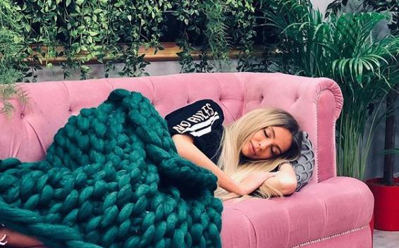 Рита спит ивидит себя участницей реалти-шоу Фото: «Инстаграм»