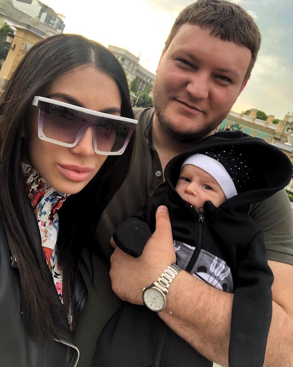 Дана хочет сохранить семью Фото: «Инстаграм»