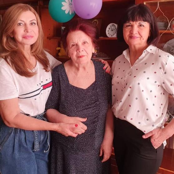 Ирина Агибалова смамой исестрой Фото: «Инстаграм»