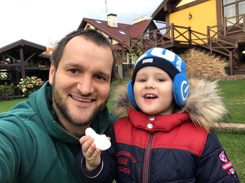 Лёша Самсонов, наконец, увидел сына Фото: «Инстаграм»