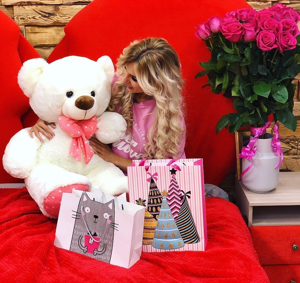 Райсон показала подарки отШабарина надень рождения Фото: «Инстаграм»