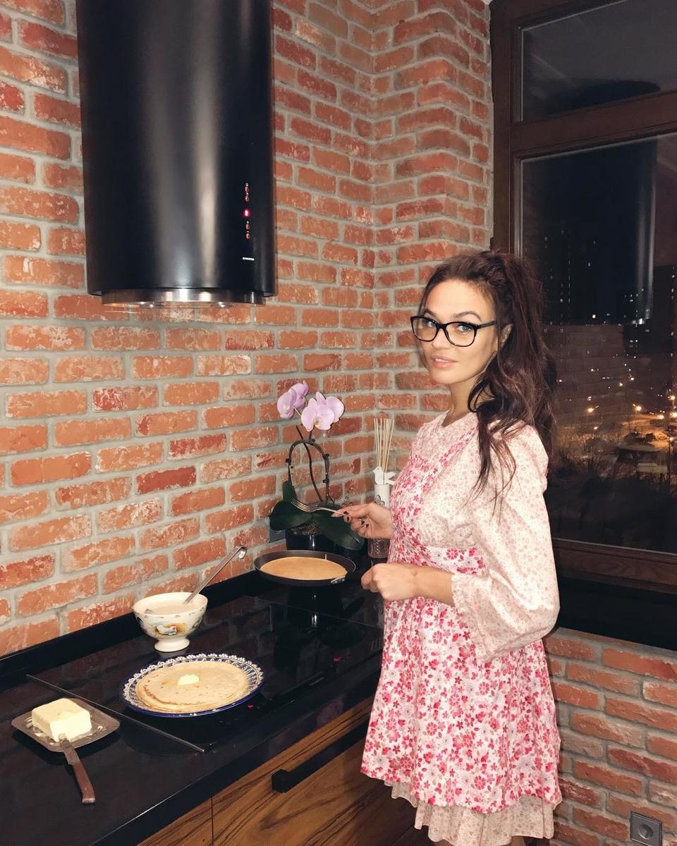 Водонаева нехотела быподставлять человека, который еёпредал, поэтому рассчитывает обсудить свою проблему сближайшим окружением всвоём собственном доме Фото: «Инстаграм»