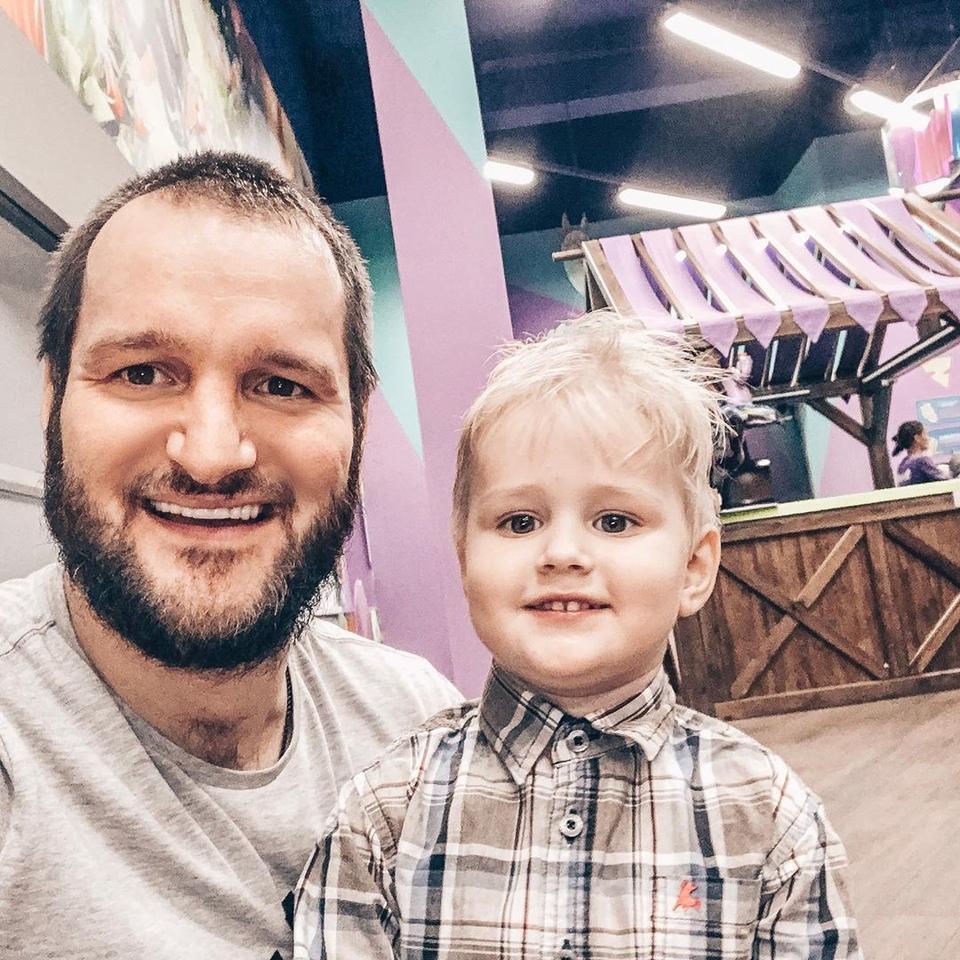 Экс-участник «ДОМа−2» перепугался заздоровье сына Фото: «Инстаграм»