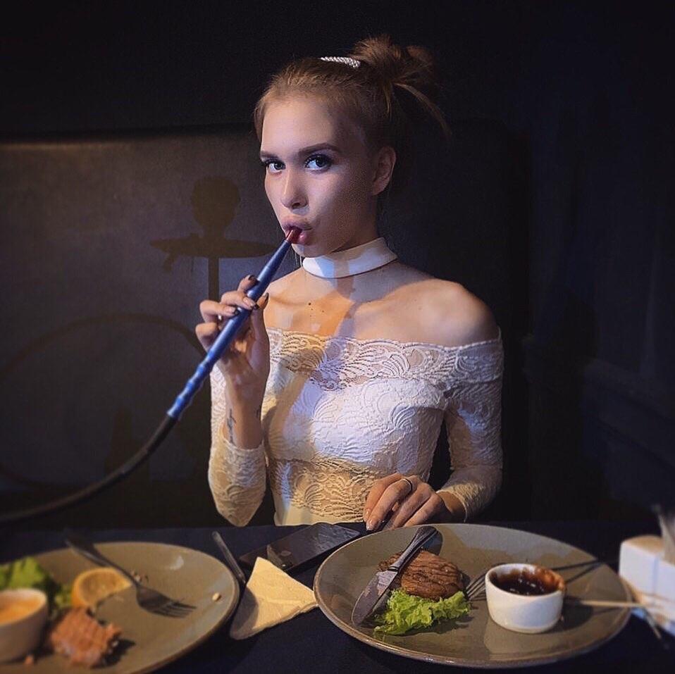 Шевцова курила вовремя беременности Фото: Instagram